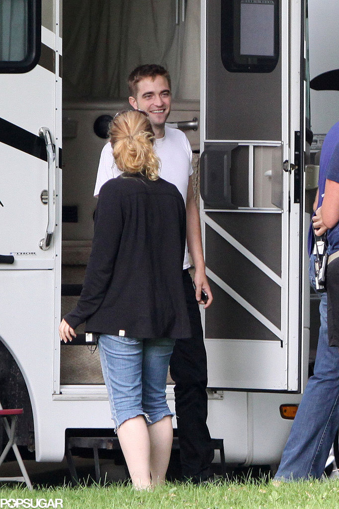 Robert Pattinson Smolders in the Toronto Heat Wave!