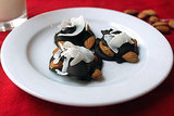Sweet: Paleo Dark-Chocolate Nut Clusters