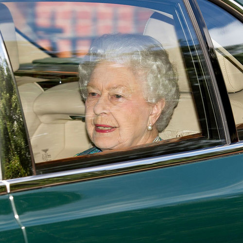 Queen Elizabeth Visits the Royal Baby | Photo