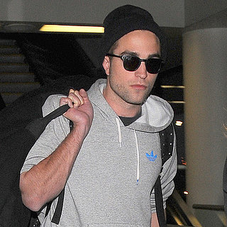 Robert Pattinson Arrives at LAX | Photos
