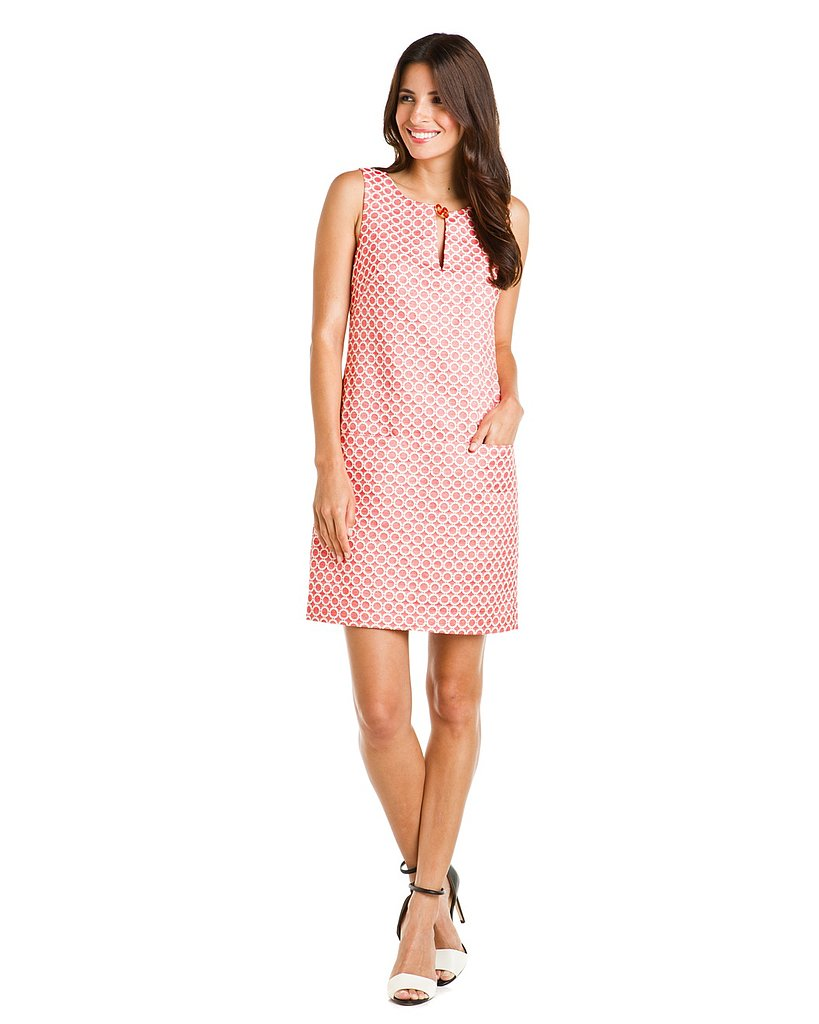 Loving the mod feel of this easy-to-wear shift dress.