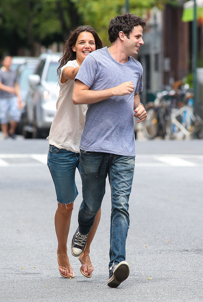 Luke Kirby Puts Up a Chase For Katie Holmes