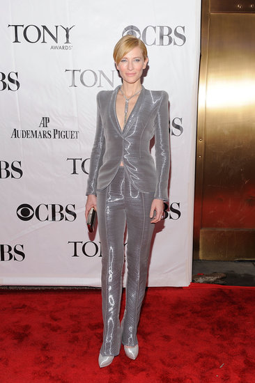 Cate shined — literally — in her gray metallic Armani Privé suit and shimmery add-ons at the 64th Annual Tony Awards in NYC.