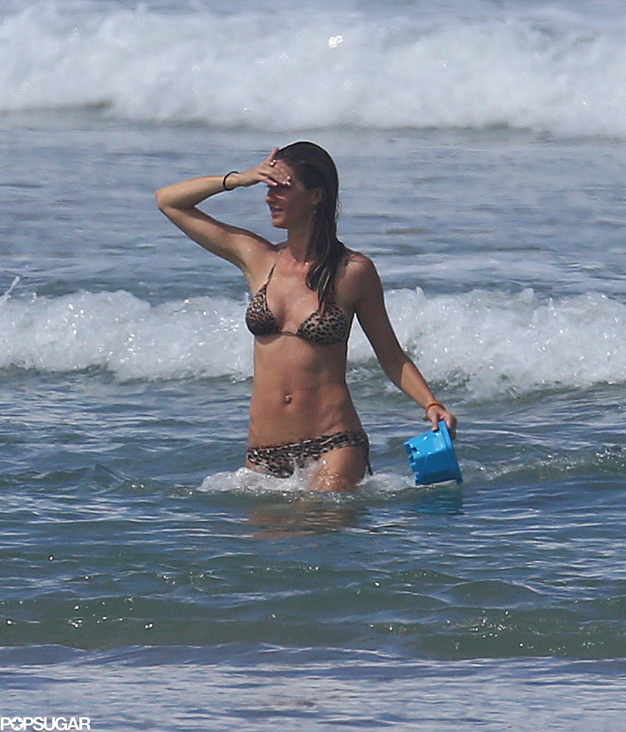 Gisele Bündchen took a dip in the ocean.