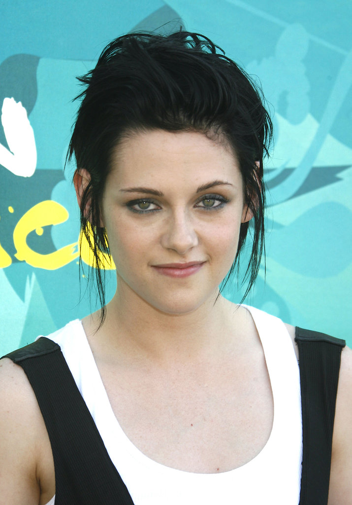 Kristen Stewart opted for rocker chic at the 2009 awards.