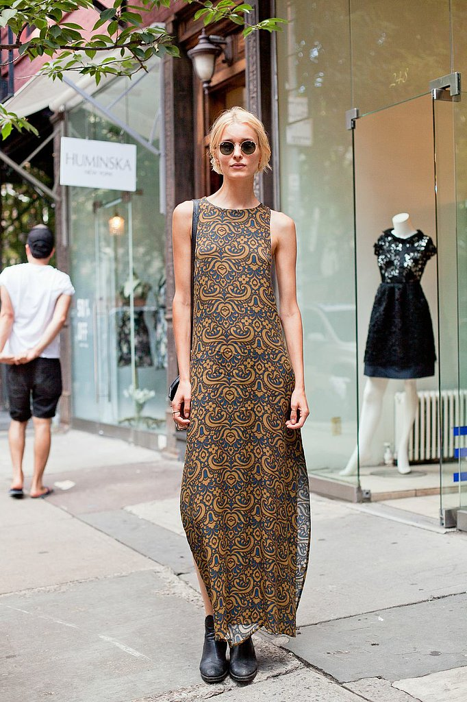 From the round sunglasses to her printed maxi, we're digging this '90s moment. Source: Joy Jacobs Photography