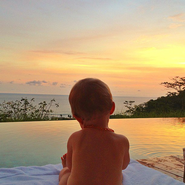 Gisele Bündchen soaked up a stunning sunset with her daughter Vivian. Source: Instagram user giseleofficial
