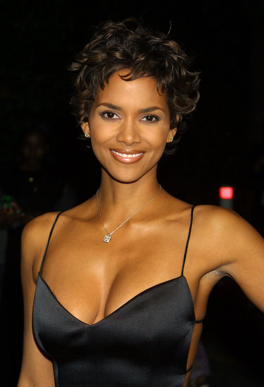 Halle went for classic beauty at the 2001 NAACP Awards. She opted for wispy curls, a touch of lavender shadow, and glossy lips.