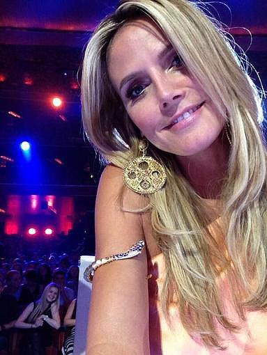 Heidi Klum took to Twitter to show off her Lorraine Schwartz jewels while on the set of America's Got Talent. Source: Twitter user heidiklum