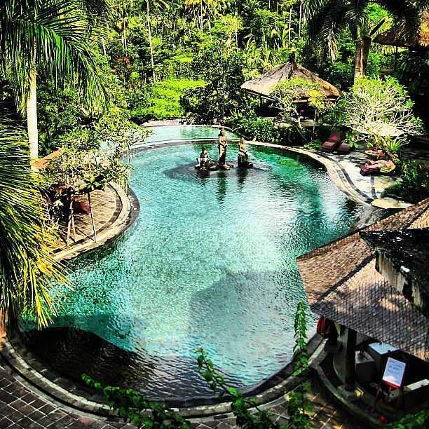 Surrounded by lush greens, this pool seems like the perfect place to relax, get away, and mediate.   Source: Instagram user ebruaymen