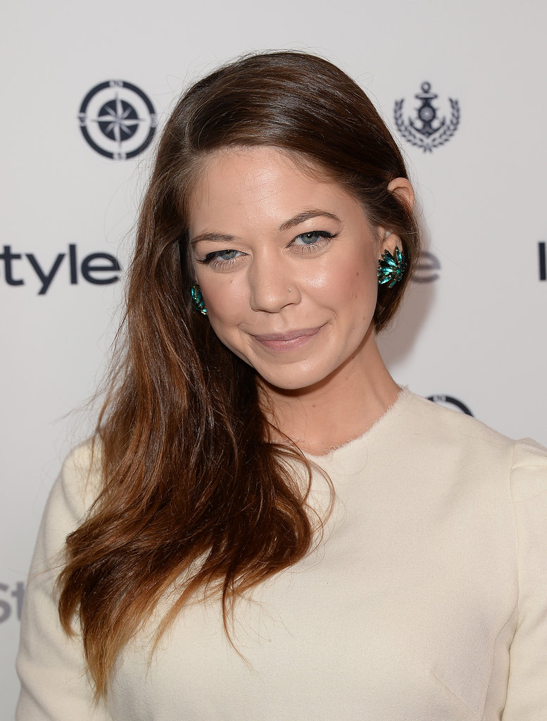 Glossy hair and a sexy cat eye were the simple staples in Analeigh Tipton's beauty look.