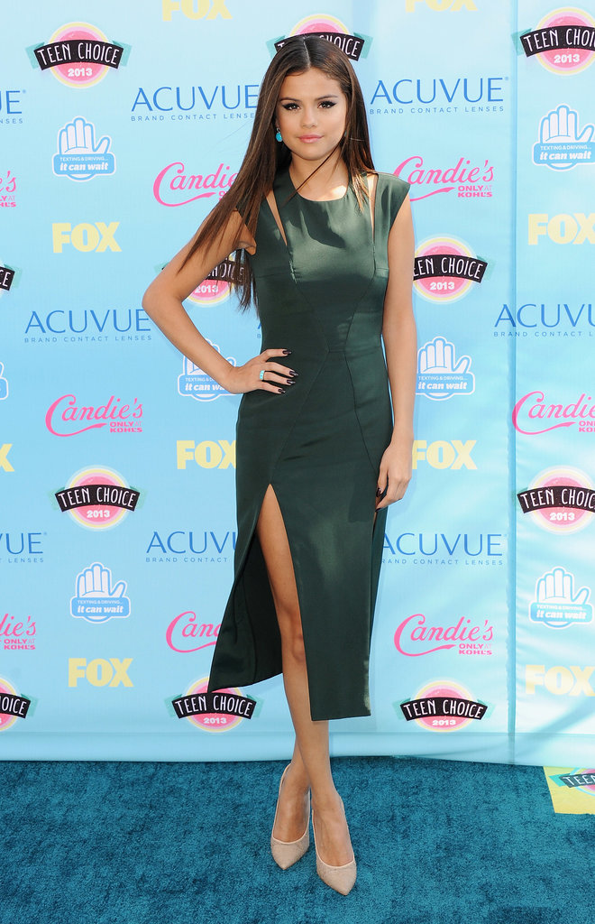 It was high fashion for Selena Gomez, who picked a Cushnie et Ochs dress straight from the runway for the Teen Choice Awards. Did you love it as much as we did?