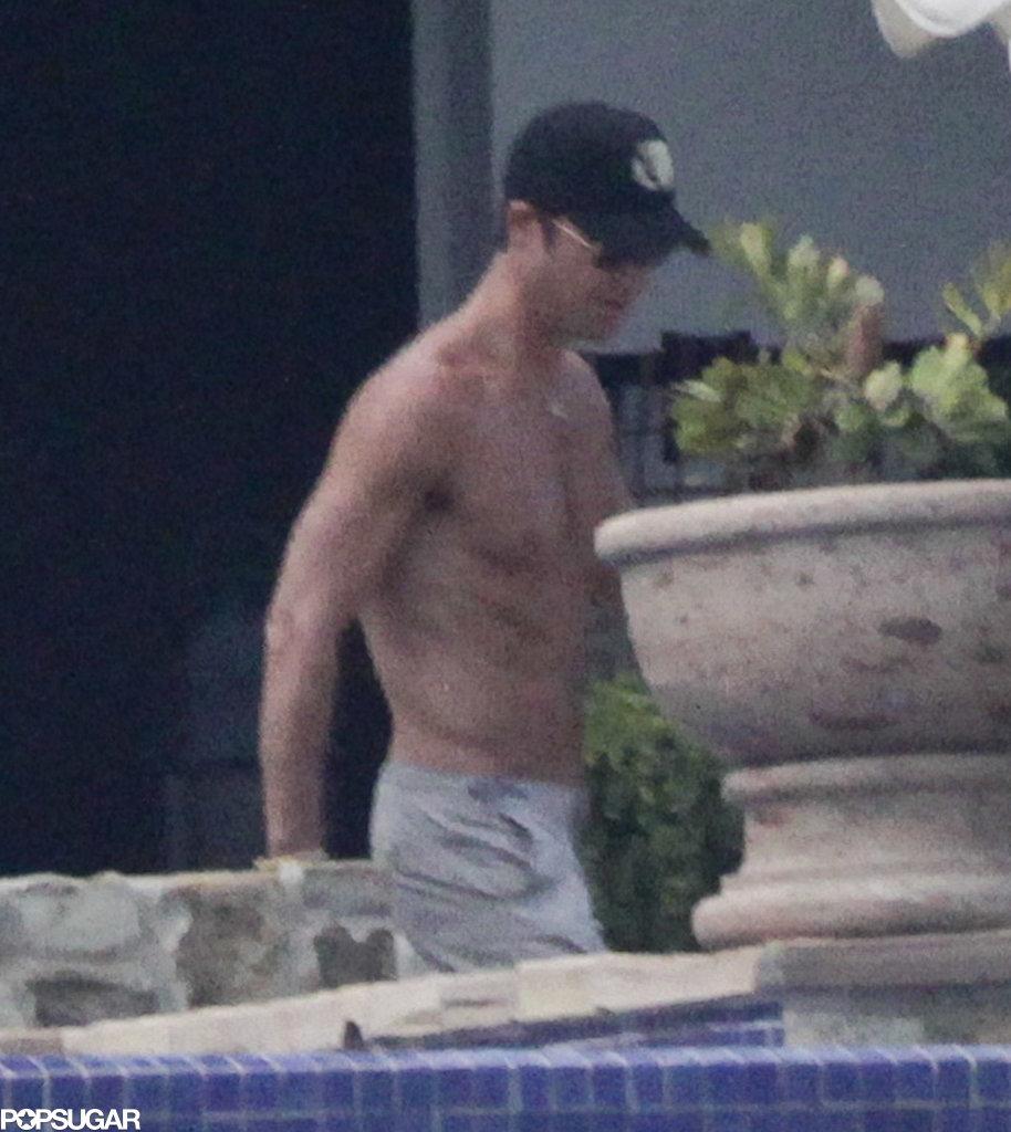 Justin Theroux went shirtless.