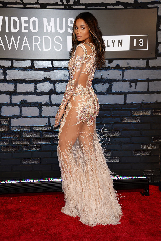 Ciara struck an over-the-shoulder pose on the VMAs red carpet.