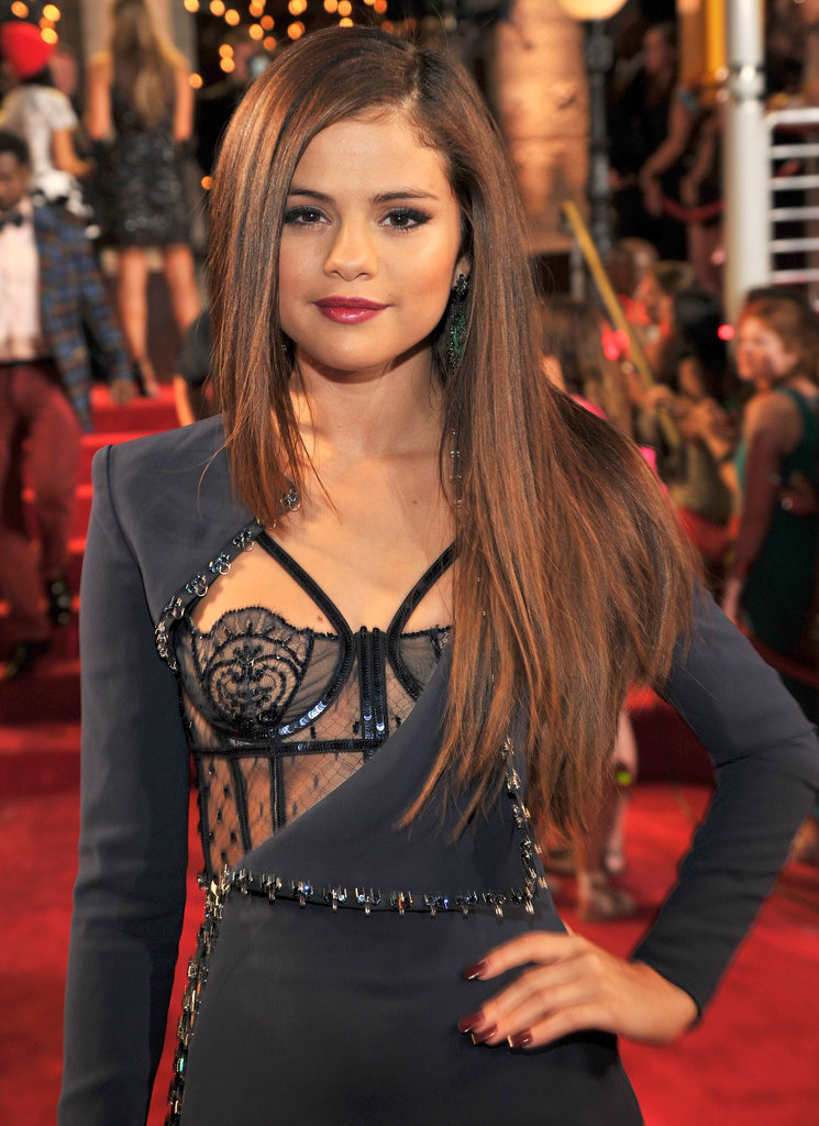 Selena Gomez posed for the cameras at the VMAs.