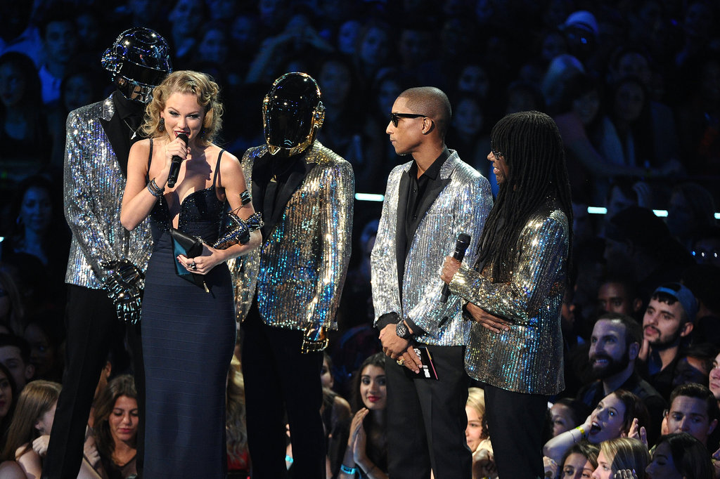 """Taylor Swift accepted an award at the MTV VMAs, giving a shout-out to the ex who inspired """"I Knew You Were Trouble."""""""