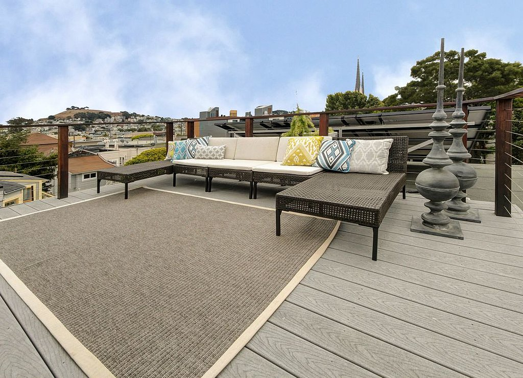 As if the midlevel garden space isn't enough, there's a second (even more private) place to enjoy the views — on the roof!