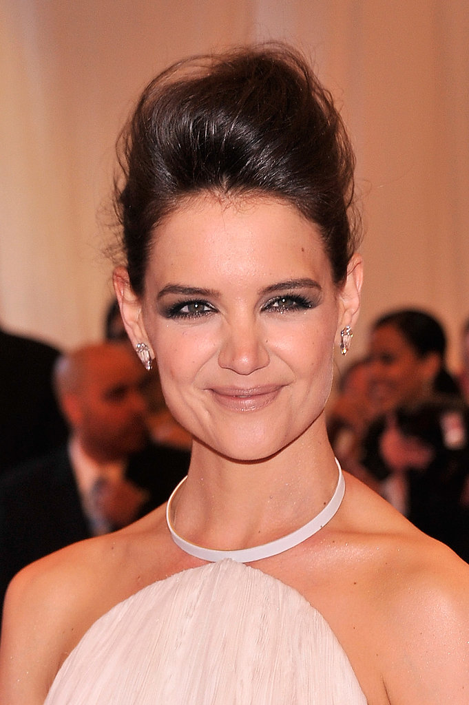 Katie Holmes's dark brown hue pairs gorgeously with a sultry smoky eye, no?