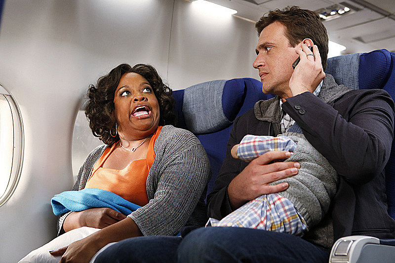 Sherri Shepherd and Jason Segel on How I Met Your Mother.