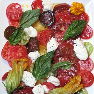 Heirloom Tomato and Burrata Salad Recipe