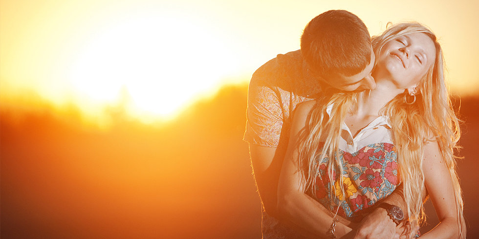 5 Ways to Heat Up Your End-of-Summer Romance