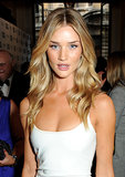 Showing off her end-of-Summer glow, Rosie Huntington-Whiteley stunned with bronzed skin, beachy waves, and dusty pink lipstick.