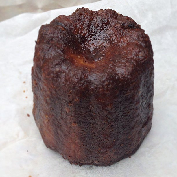 Cannelé de Bordeaux