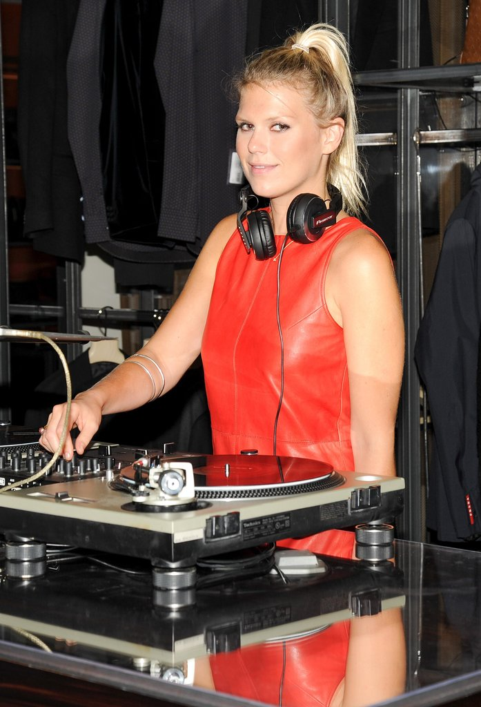 Alexandra Richards kept the crowd on their feet at Bergdorf Goodman's party.