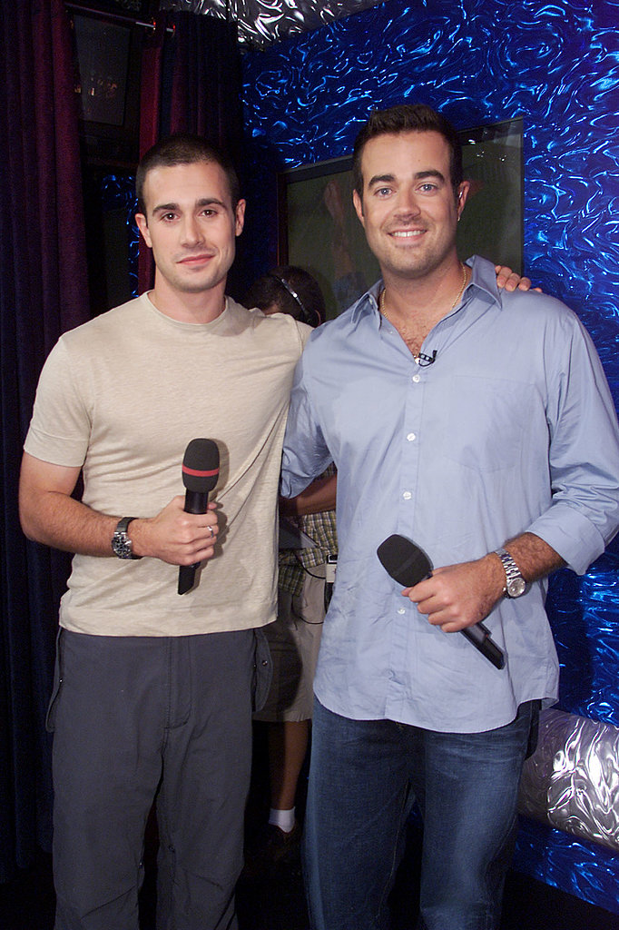 Freddie Prinze Jr. posed with Carson Daly during a show in 2001.