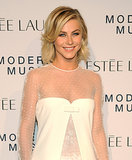 With her lob in a glamorous blowout and her eyes done simple and smoky, Julianne Hough looked effortlessly pretty.