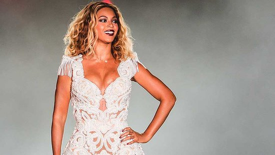 Video: Beyoncé Pulled Off Stage by a Wild Fan