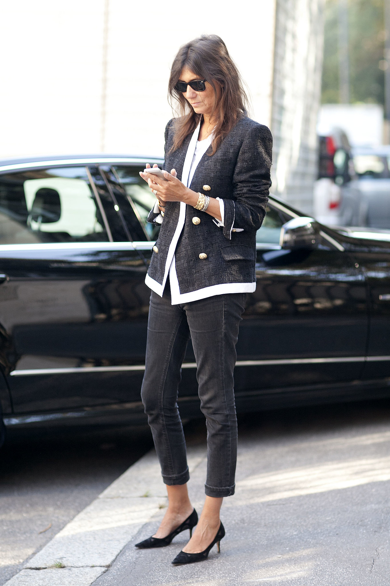 Emmanuelle Alt perfected Parisian chic on the streets of Milan.