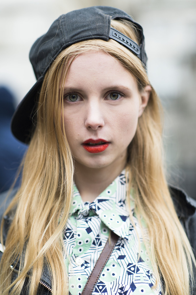 Orange lips and a sideways cap scream cool-girl chic. Source: Le 21ème | Adam Katz Sinding