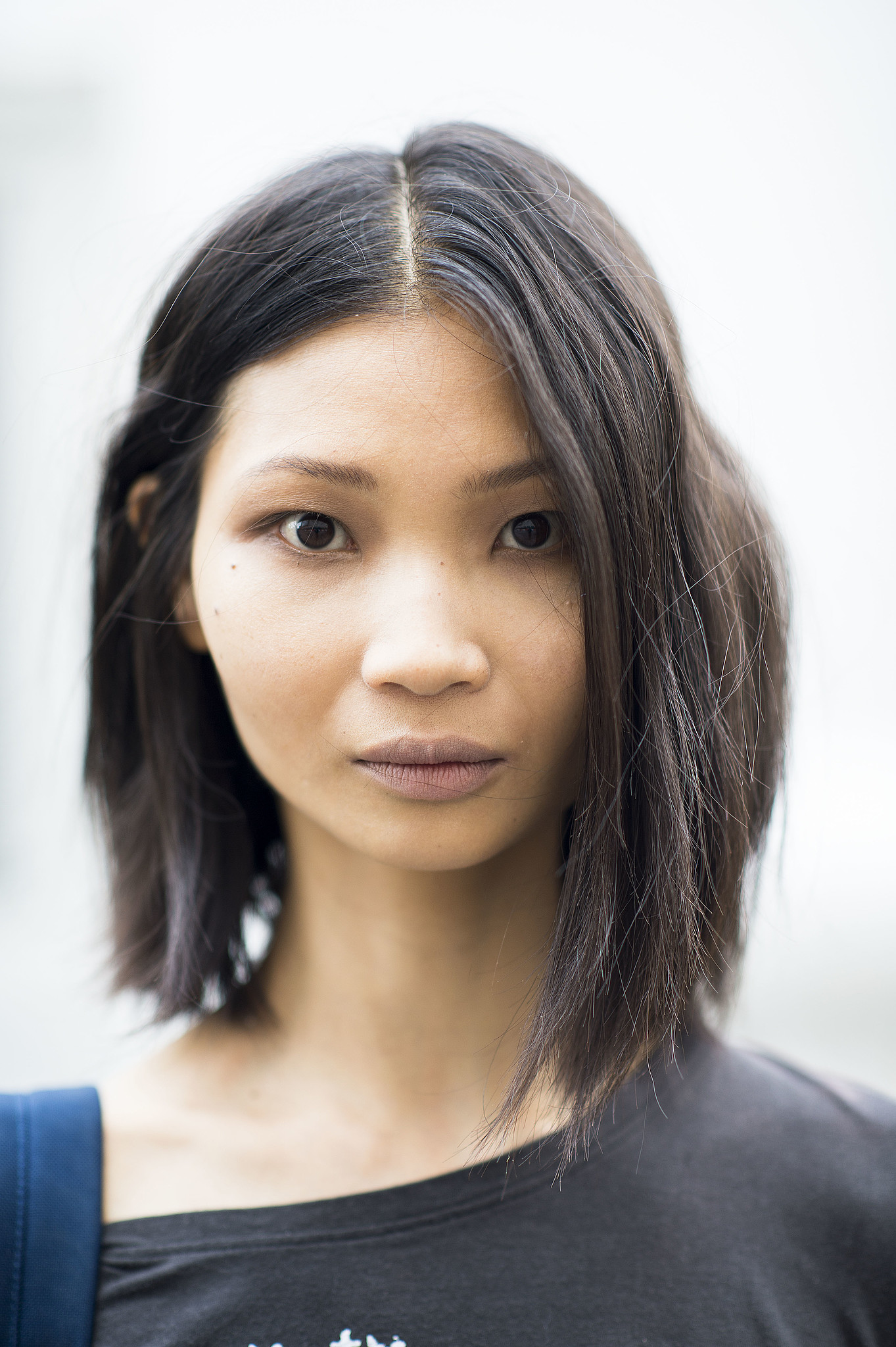 This girl's asymmetrical lob is on trend for Fall. Source: Le 21ème | Adam Katz Sinding