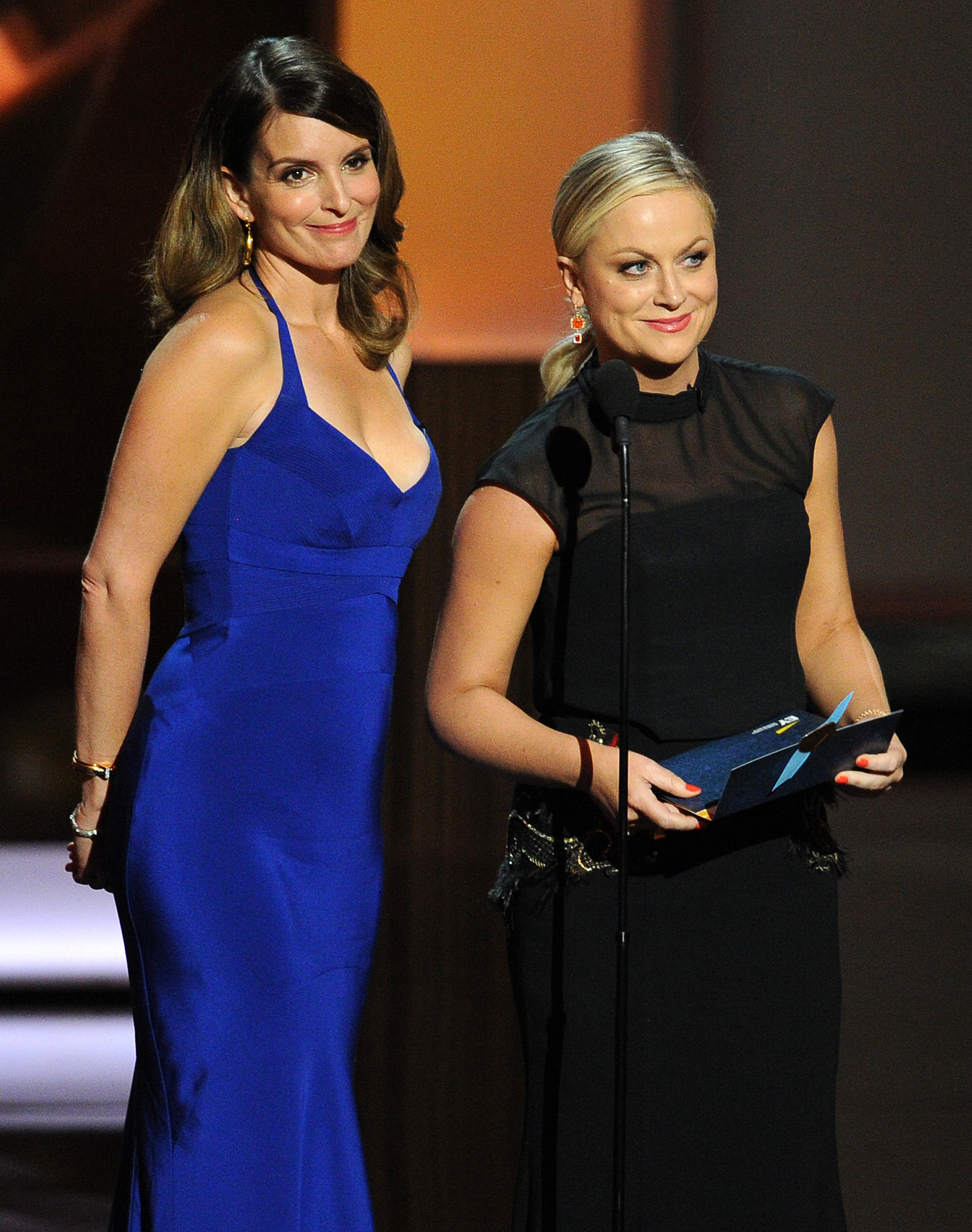 Tina Fey and Amy Poehler had the crowd cracking up at the start of the sh