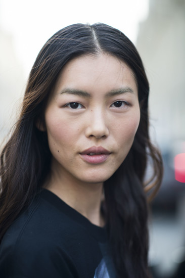 The lovely Liu Wen wearing flushes of pink. C'est magnifique! Source: Le 21ème | Adam Katz Sinding
