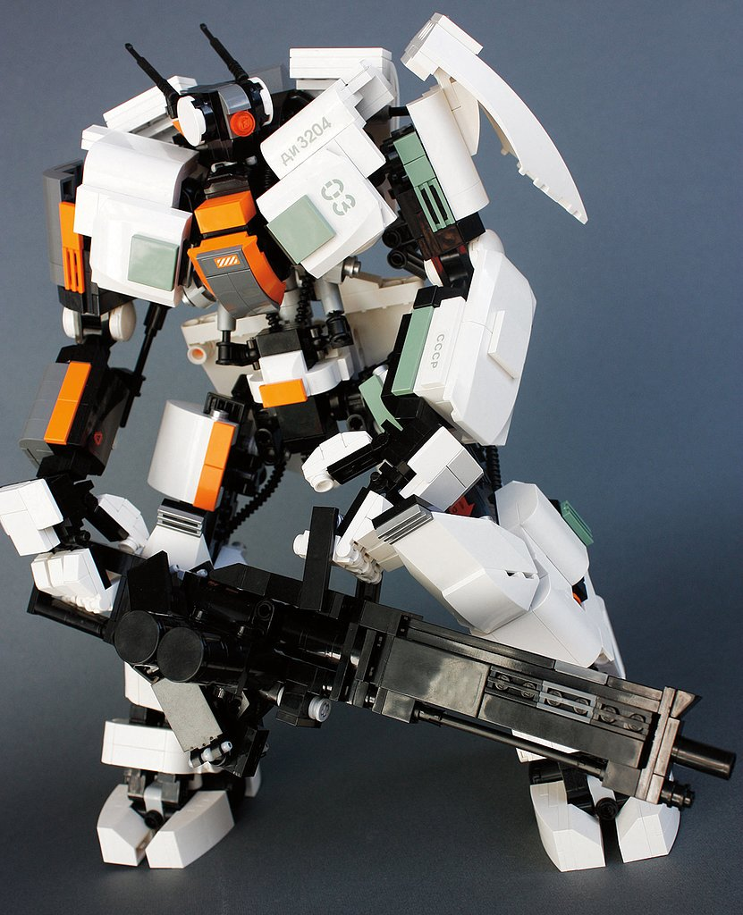 """Guardian Heavy"" is the robot warrior the year 2165 is waiting for. Source: Guardian Heavy (2011) © Aaron Williams"