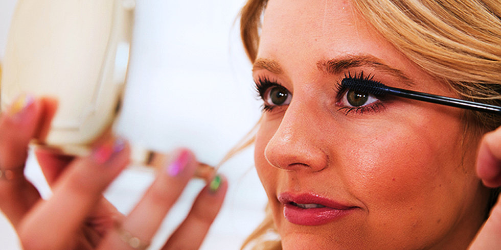 Want a Gaze Like Scarlett Johansson? You Need These Mascaras