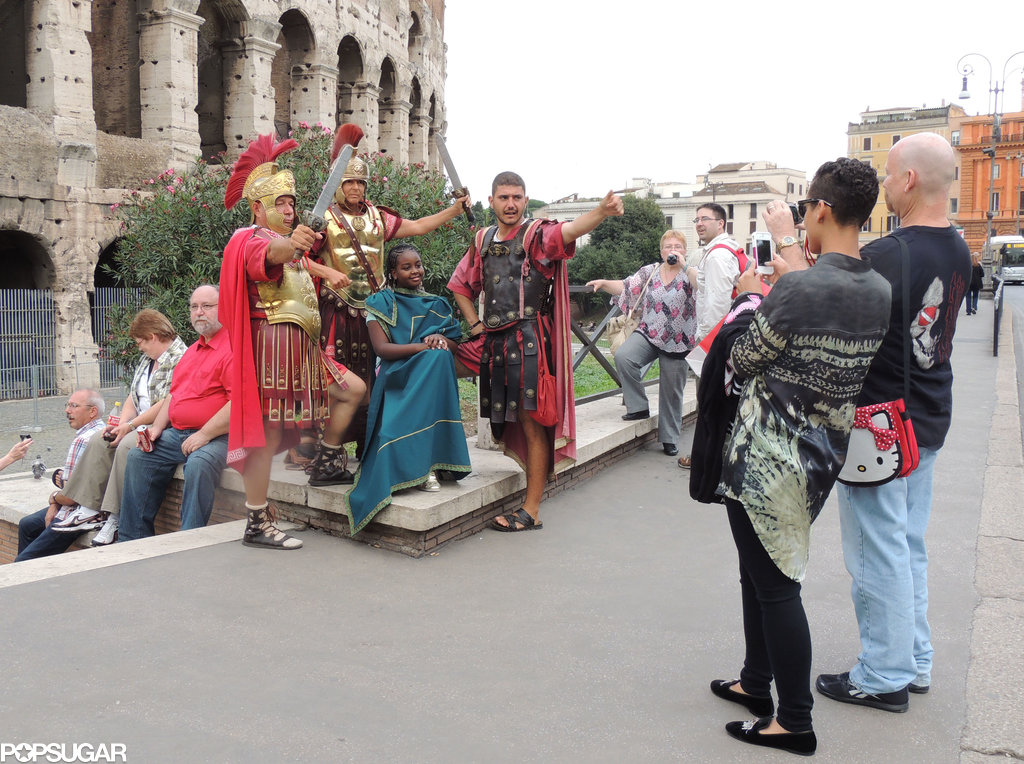 Alicia Keys snapped a picture of her friend as she posed with costumed Roman soldiers.