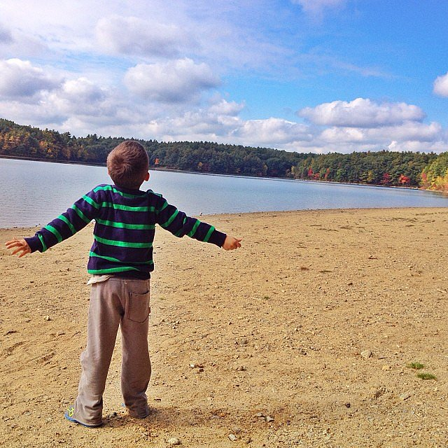Ben Brady spent a beautiful Fall afternoon on Walden Pond with his mom, Gisele Bündchen. Source: Instagram user giseleofficial
