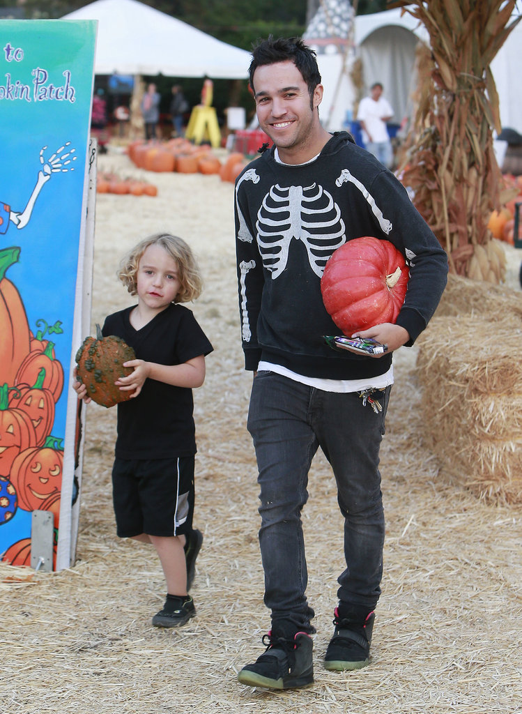 Pete Wentz hit up a pumpkin patch with his son, Bronx, in LA.