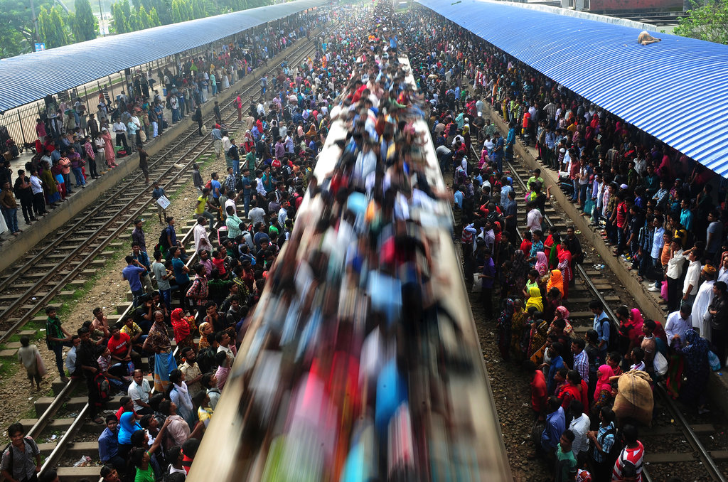 Trains in Bangladesh were overflowing with passengers as people traveled for Eid al-Adha celebrations.
