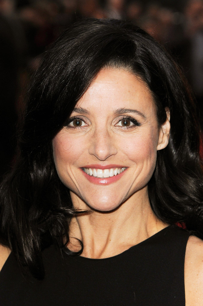 For the red carpet of her film Enough Said, Julia Louis-Dreyfus stuck with a natural makeup palette and a glossy blowout.