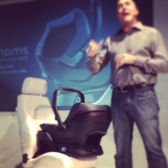 4 Moms hopes to reinvent the infant car seat with a seat that self-installs! It auto-levels and auto-tensions and then verifies the correct base installation and carrier connection before each ride.