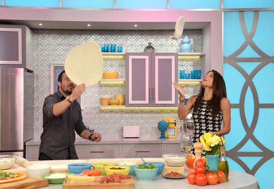 Fabio Viviani coached Bethenny Frankel on her pizza-tossing skills while making a guest appearance on her new daytime show, Bethenny.