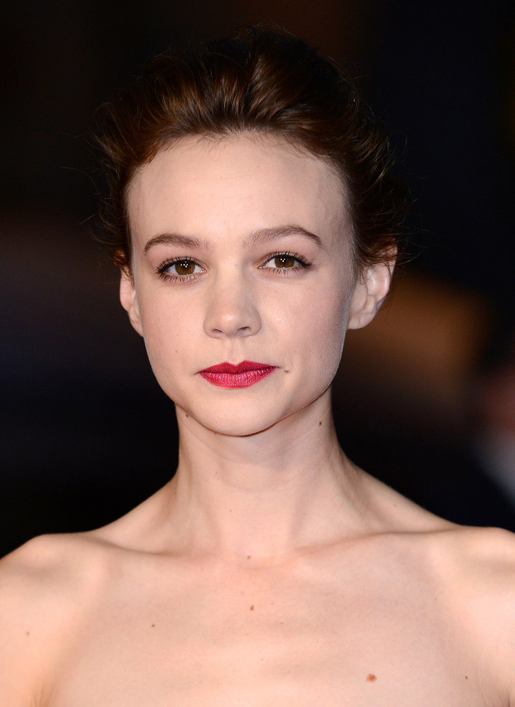 Carey Mulligan paired her brunette mane with a berry hue on her lips and a soft pink on her eyes at the London Film Festival.