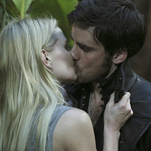 Emma and Hook Kiss on Once Upon a Time