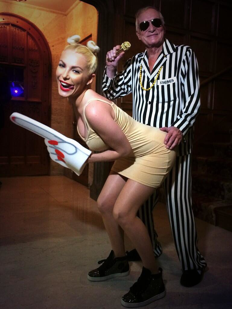 Hugh Hefner sported a striped suit as Robin Thicke, re-creating the MT