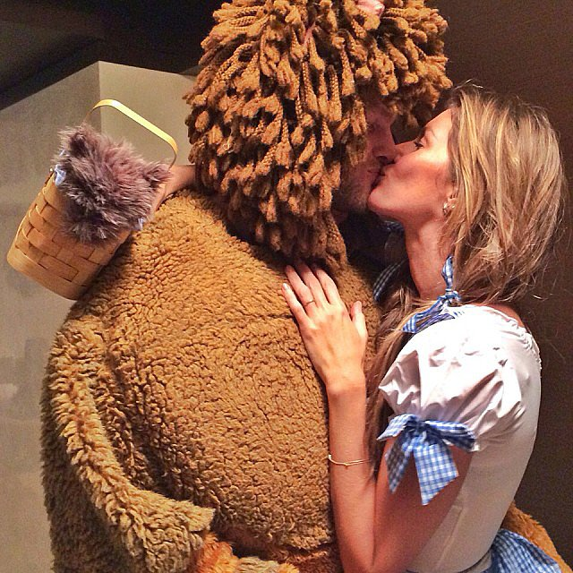 Gisele Bündchen and Tom Brady made an adorable pair for Halloween, dressing as Dorothy and the lion from The Wizard of Oz on a fun night out for the proud parents. Source: Instagram user giseleofficial