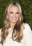 Molly Sims also took a golden approach to makeup last night, putting a touch of metallic shadow in the inner corners of her eyes.
